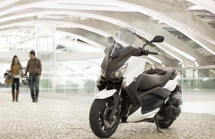 yamaha-xmax-400cc-blanc-modele-2015