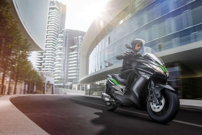 maxi-scooter-kawasaki-j300-kymco-dink