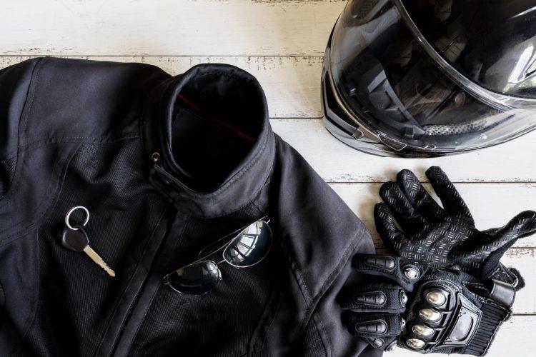 Gants moto homologués : un équipement obligatoire !
